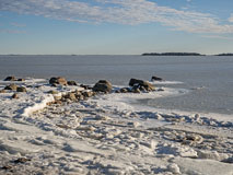 Spring in the air in Haukilahti seashore - Last view 2021-02-24